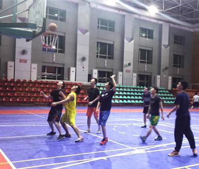 优网科技开展员工冬季羽毛球篮球活动